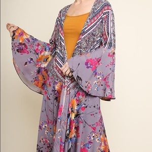 Umgee Floral Bell Sleeve Kimono Hi Low